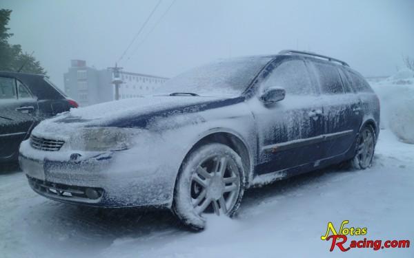 Renault Laguna II  Grand Tour en la nieve (Cabeza de manzaneda)